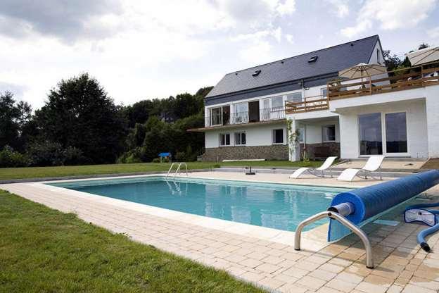 Luxueuse villa pour 12 personnes avec piscine ext rieure for Camping ardennes belges avec piscine