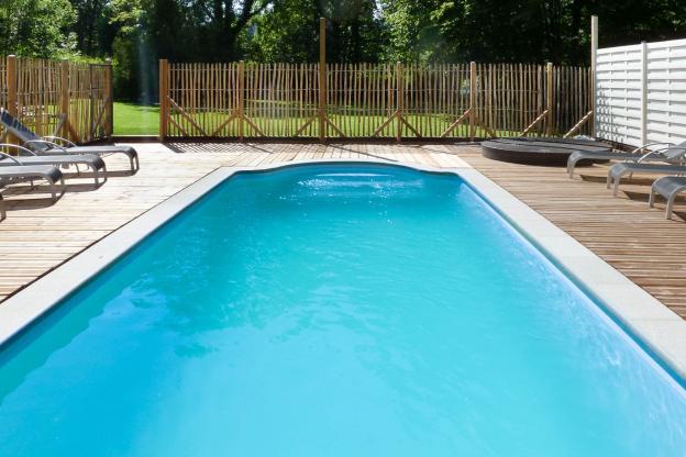 Luxueuse maison de vacances avec piscine louer pour 14 for Camping ardennes belges avec piscine