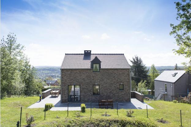Nouveau g te avec grand jardin et terrasse louer pour for Maison de vacances linge de maison