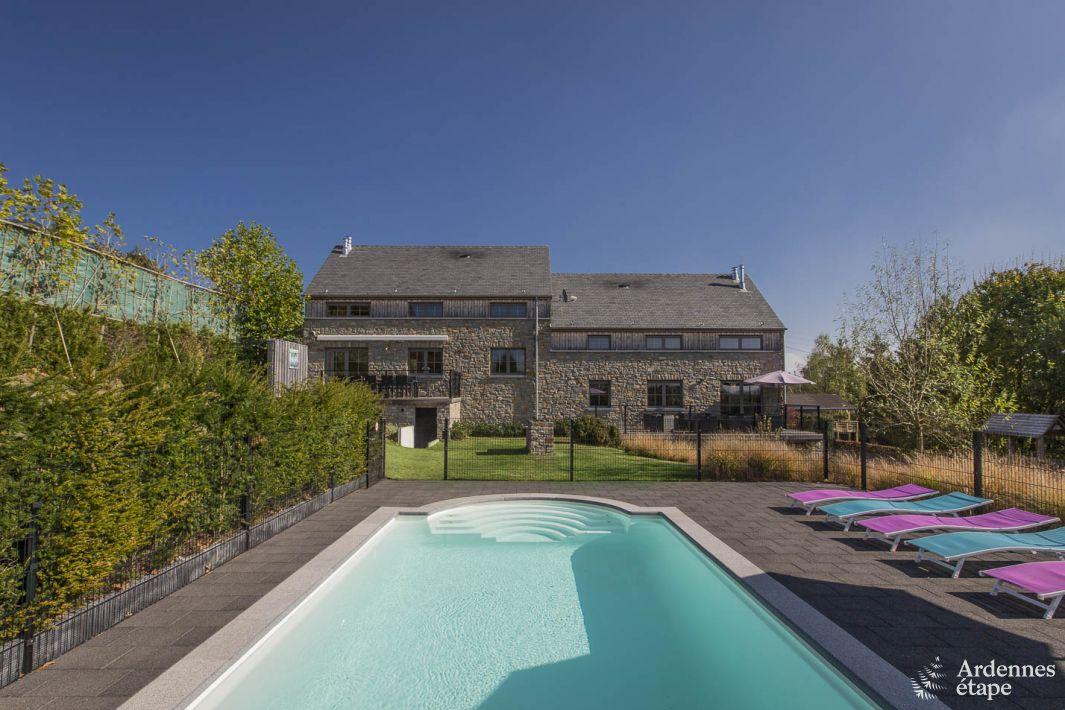villa de vacances de luxe grande capacit avec piscine. Black Bedroom Furniture Sets. Home Design Ideas