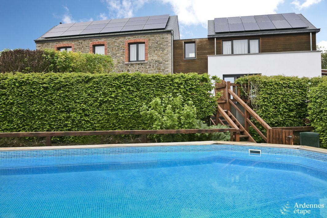 Maison de vacances confortable avec piscine dans le jardin for Piscine dans le jardin