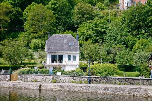Maison de vacances pour 9 personnes avec sauna la roche for Agence de bouard la maison des voyages