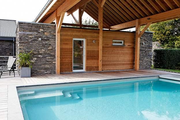 G te authentique la ferme avec centre bien tre et for Piscine hammam sauna