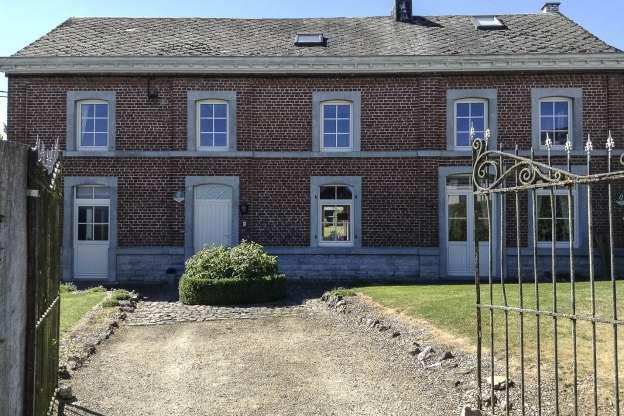 Maison a vendre avec piscine interieure ile de france for Interieure maison