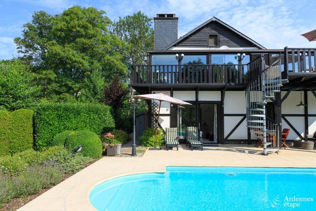 Luxueux g te avec piscine chauff e pour un s jour en for Camping ardennes belge avec piscine