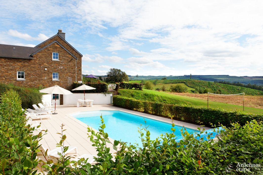Villa de vacances avec piscine pour 14 pers stoumont for Recherche maison avec piscine pour vacances
