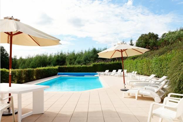 Villa de vacances avec piscine pour 14 pers stoumont for Camping ardennes belges avec piscine