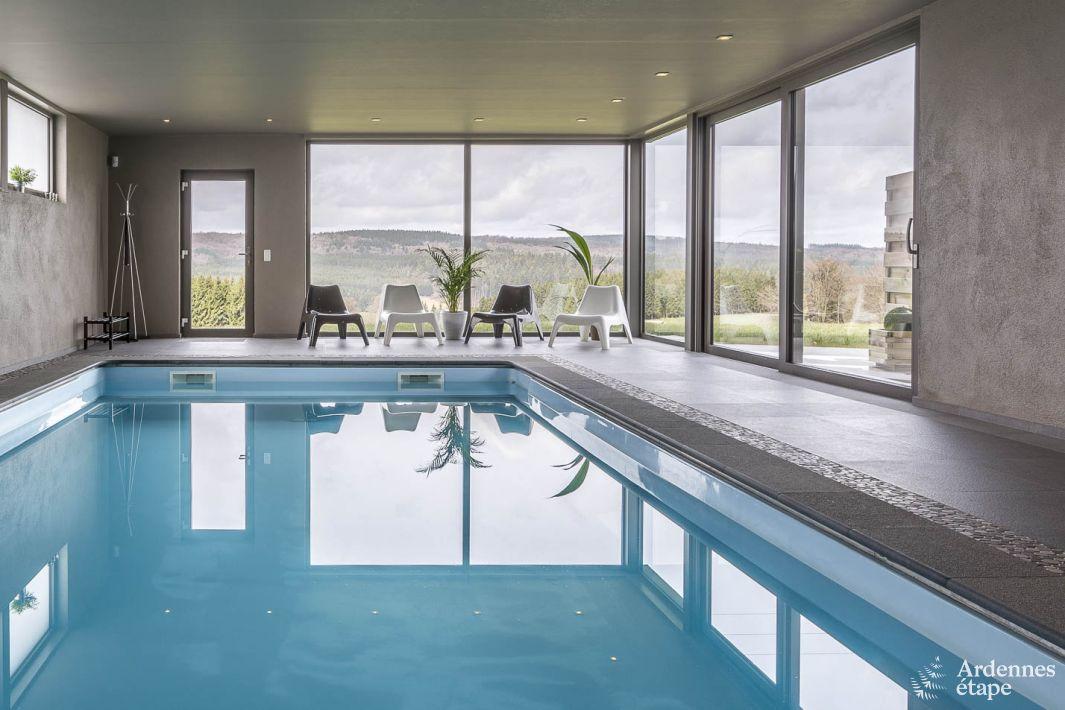 Magnifique maison de vacances avec piscine int rieure for Piscine 01 gex
