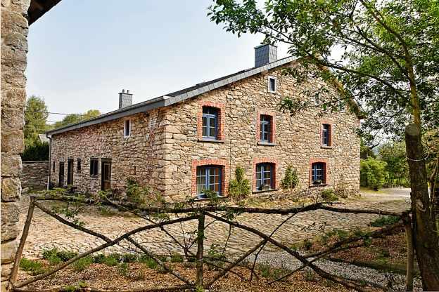Luxe wellness authenticit dans ce cottage 19 personnes for Maison charme et tradition