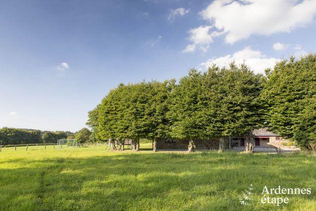 Luxueuse maison de vacances avec piscine int rieure for Camping ardennes belges avec piscine