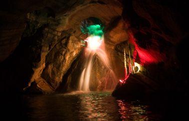 Grottes de Neptune-Grottes à Province du Hainaut